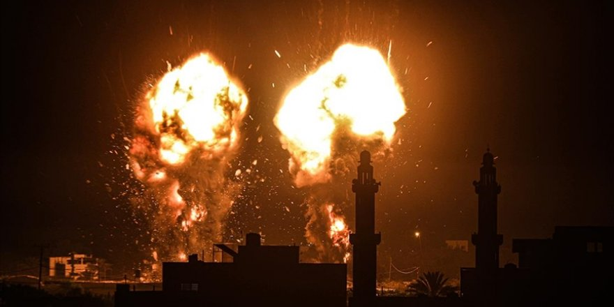 İsrail savaş uçakları Gazze Şeridi'ne saldırı düzenledi