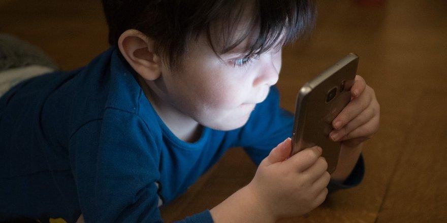 Çocuklarda ekran bağımlılığı gelişimi engelliyor