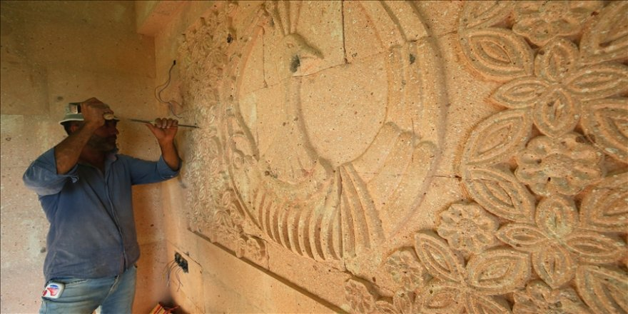 Nevşehirli taş ustası tüf kayaları tabloya dönüştürüyor