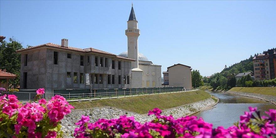 Bosna Hersek'in Olovo kentinde yapımı duran Ahi Evran Veli Kırşehir Camisi yardım bekliyor