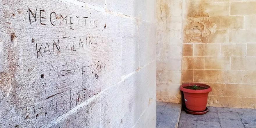 Tarihi Kasımiye Medresesi'ne saygısızlık