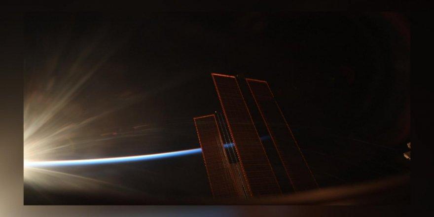 Uluslararası Uzay İstasyonu'ndan gün doğumu