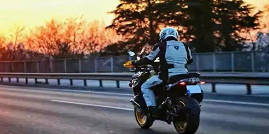 Vali Yerlikaya motosikleti ile memleketine gitti