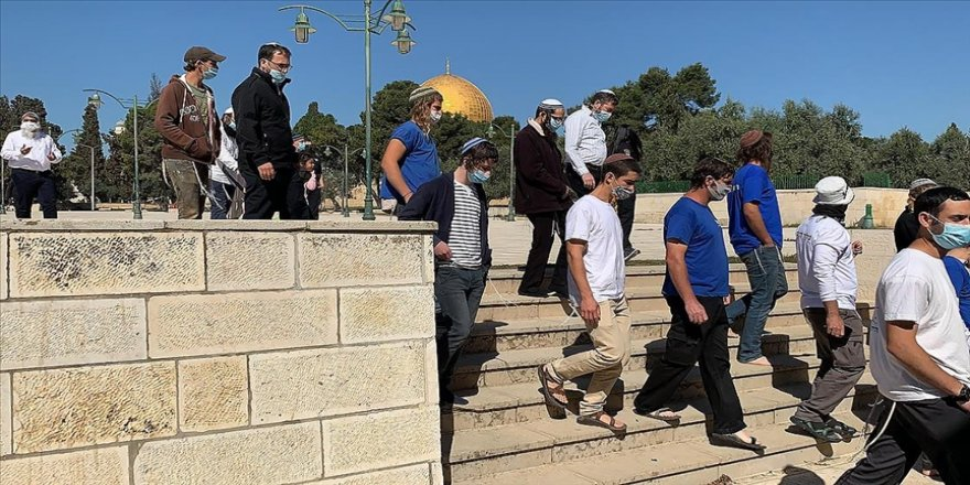 Fanatik Yahudilerin bıktıran Mescid-i Aksa baskınına bir yenisi daha eklendi