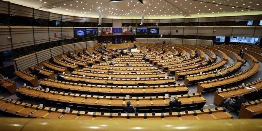 AP'deki en büyük ikinci grubun Başkanı Perez, Tunus'ta anayasal düzenin korunması çağrısı yaptı