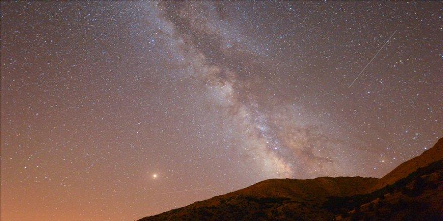 Ağustos ayında gökyüzünde meteor yağmuru görülecek