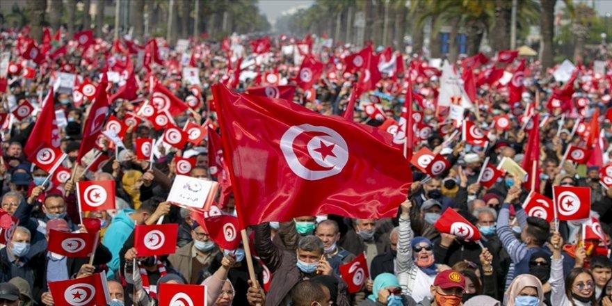 Tunus'ta Nahda Hareketi, müsbet hareket tutumuyla öne çıkıyor