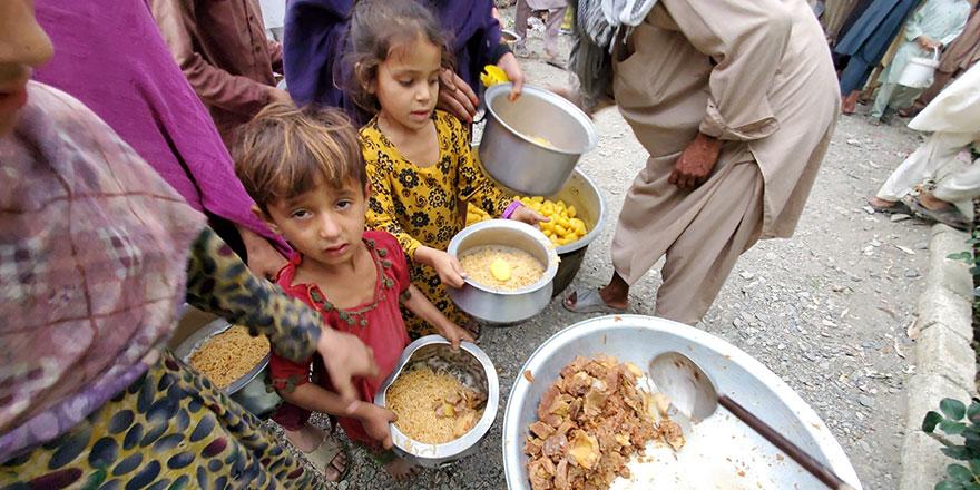 BM Mülteciler Yüksek Komiseri Grandi: Afganistan'daki insani durum umutsuz