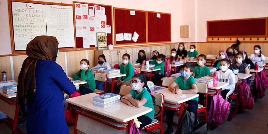 Okullar tatil olacak mı? Milli Eğitim Bakanı Mahmtu Özer cevapladı