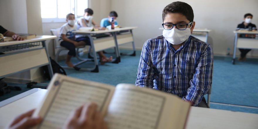 Mardin'de 8 ayda hafız olan 12 yaşındaki Bilal, Türkiye birincisi olmak için çalışıyor