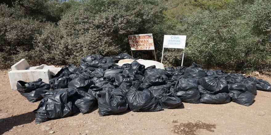 Bodrum'da sosyetenin denize girdiği alanda 85 çuval çöp çıktı!