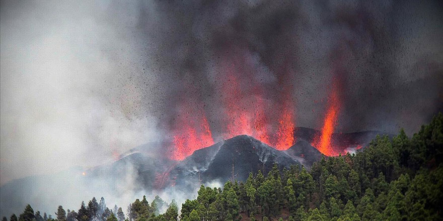 21 binden fazla depremden sonra La Palma Yanardağı patladı