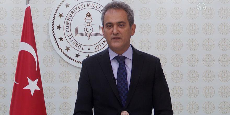 Milli Eğitim Bakanı açıkladı: Yardımcı kitaplar da ücretsiz olacak