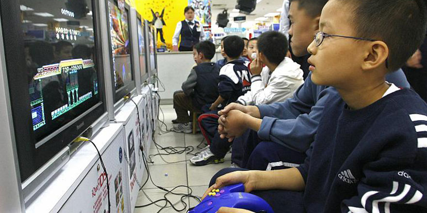Çinli video oyunu üreticileri: Çocuklar ekrandan uzak tutulacak