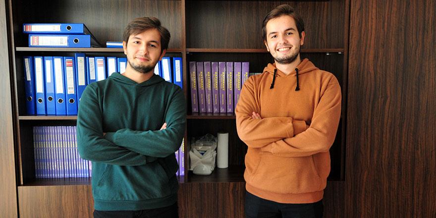 İkiz kardeşler, tıp fakültesini ilk iki sırada kazandı: Bir kere bile sosyal medya hesabı açmadık