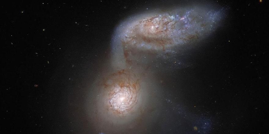 Cenab-ı Hakkın kudreti uzayda böyle tecelli ediyor: Yüz milyonlarca yıllık galaksi çarpışması