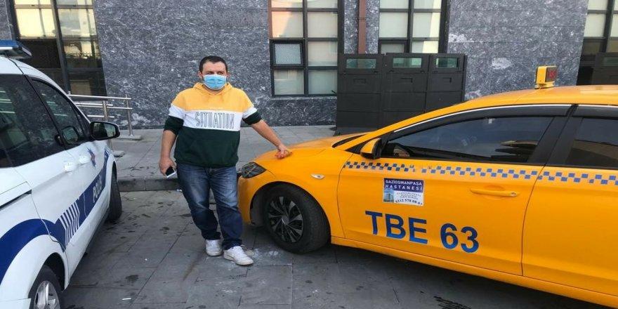 Taksici, araçta unutulan 40 bin liralık altını sahibine iade etti