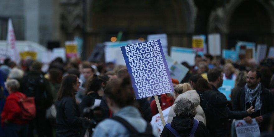 İngiltere'de 'mülteci karşıtı yasa tasarısı' protesto edildi