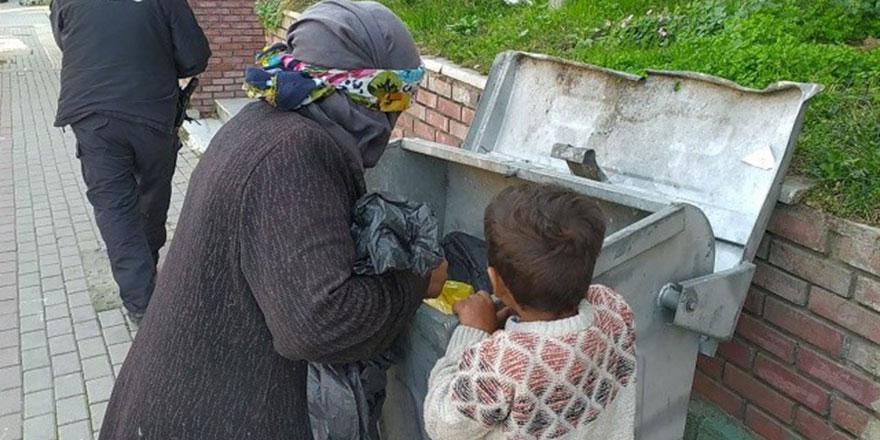 Çöp toplayan Afgan kadından, aç gözlülere ders olacak insanlık dersi