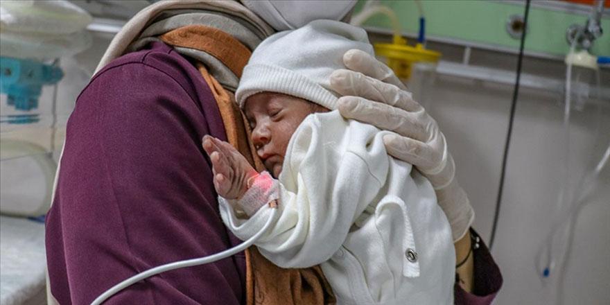 Yılda bin ve üzerinde doğum yapılan hastanelerde 'Emzirme Destek Birimleri' kurulacak