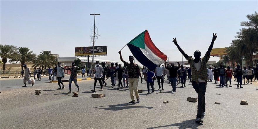 Sudan'da 'darbe karşıtı' gösteriler sürüyor
