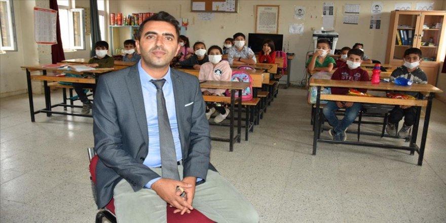 Sınır köyündeki öğrencileri için seferber oldu 'Küresel Öğretmen Ödülü'ne aday gösterildi