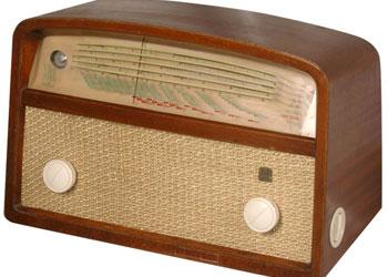Radyo, manevi şükür istediği halde lüzumsuz şeylere sarf ediliyor
