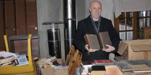 45 yılda 200 bin kitap biriktirdi, sığınağa koydu