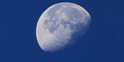 Rus kozmonot uzaydan Ay'ın batışını yayınladı
