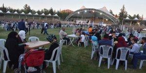 Ertuğrul Gazi Türbesi'nde 2 bin kişillik iftar