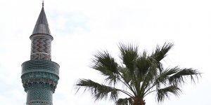 12 bin parça çinili minare yıllara meydan okuyor