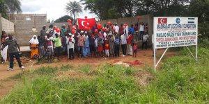 Medresetüzzehra Vakfı Afrika'ya Kur'an kursu ve cami yapıyor