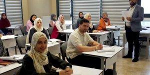 Kendi dilleri olan Arapça'yı Türkiye'de öğreniyorlar