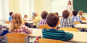 Bunlar nasıl akademisyen: Okullarda tek Allah inancı ve Hz. İsa öğretilmesin!