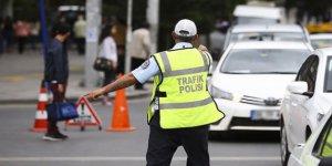 Polisler trafik ihlallerine göz açtırmadı