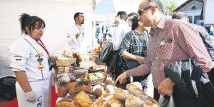 Ankara ekmek festivalinde renkli görüntüler