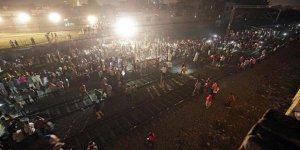 Hindistan'da korkunç tren faciasında ölü sayısı artıyor