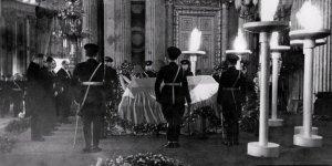 Atatürk'ün cenazesinde 'dinî merasim kat'iyyen yapılmayacak' talimatı