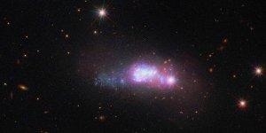 Mavi kompakt galaksi görüntüledi
