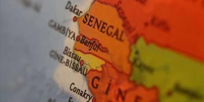 Fransa'nın Senegal'deki eli başörtüsü ile uğraşıyor