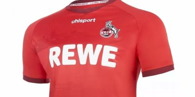 Alman Köln takımının deplasman formasında cami silueti