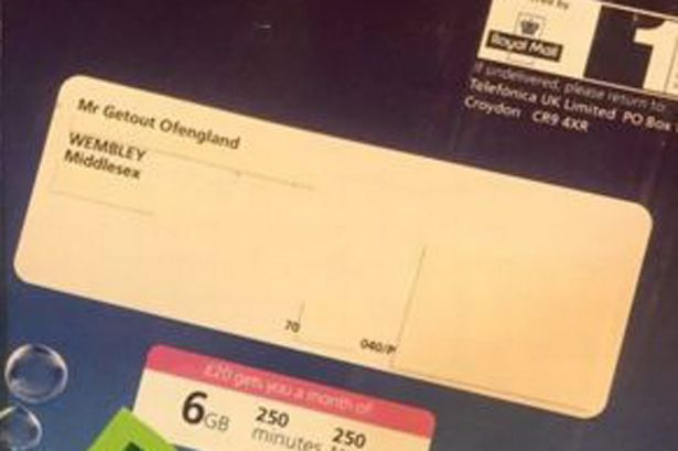 o2-sent-muslim-family-sim-cards-addressed-to-mr-getout-ofengland-and-mr-isis-terroriste.jpg