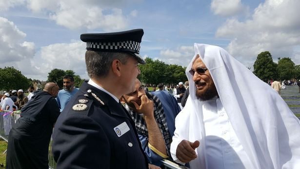 west-midlands-police-chief-constable-dave-thompson-in-conversation-after-eid-prayers.jpg