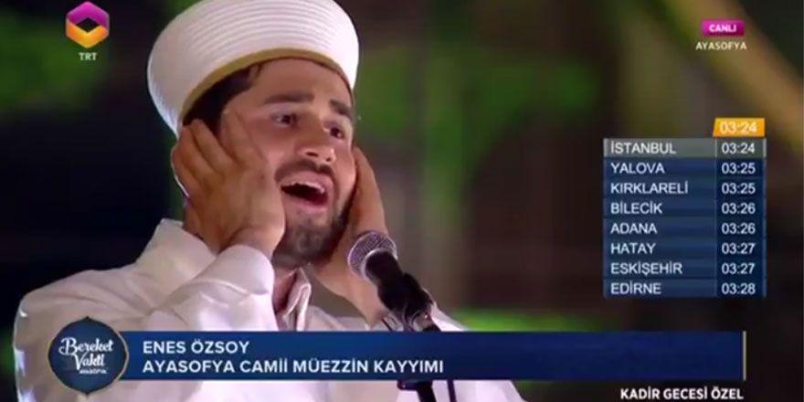 Ayasofya Camii'nden muhteşem çift ezan